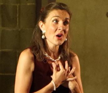 Marie-Helene Cussac soprano singing in concert